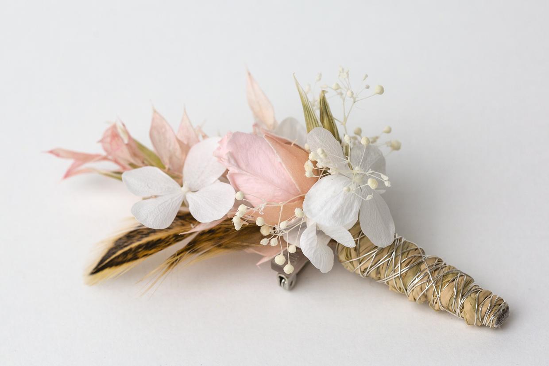 dauerhafter, echter Anstecker für den Bräutigam zur Hochzeit