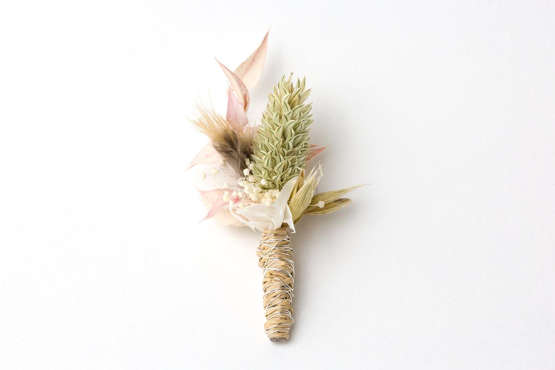 Anstecker aus Blumen für den Trauzeugen, zur Hochzeit für den Bräutigam