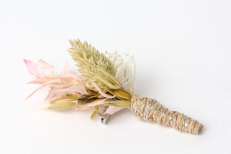 Anstecker Hochzeit aus Trockenblumen