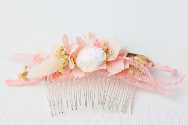 Brautaccessoire zur Hochzeit aus Blumen